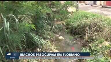 Casas correm risco de desabar em Floriano - Casas correm risco de desabar em Floriano