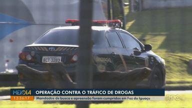 Polícia Federal faz operação contra lavagem de dinheiro relacionado ao tráfico de drogas - Mandados de busca e apreensão foram cumpridos em Foz do Iguaçu.