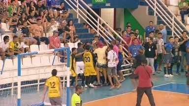 Bom Deixa e F. Matos se classificam para a final da Copa Rede AM de Futsal 2019 - Em duelo das semis, nesta segunda, primeiro vence Amigos do Maikon e segundo supera o Motivação. Ambos os duelos foram decididos nos pênaltis.