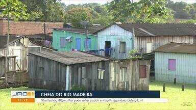 Rio Madeira recua e algumas famílias começam a retornar para casa em RO - Rio está em cerca de 16,6 metros
