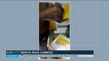 Polícia Militar prende homem com 2 mil comprimidos de droga sintética - A prisão foi em flagrante, em uma agência dos Correios em Curitiba.