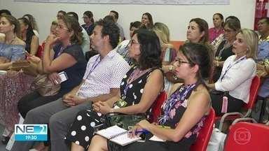 Profissionais de PE e do CE discutem desafios da educação durante encontro no Recife - O uso da tecnologia na sala de aula e o papel do professor nos dias atuais foram temas debatidos na ocasião.