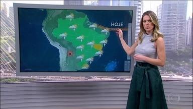 Previsão de chuva forte em parte do Nordeste e dia de sol com chuva bem isolada no Sudeste - No Nordeste, o risco de temporal é para o leste e norte da região. Pode chover forte em parte do Pará. Já em quase toda a região Norte, no Centro-Oeste e no Sudeste, o sol aparece e a chuva prevista é bem isolada. Tempo firme no leste gaúcho.