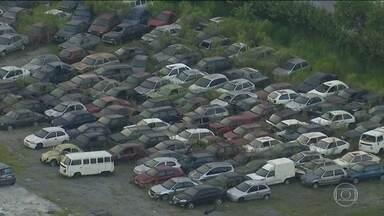 Prefeitura de São Paulo leiloa 320 carros - Os veículos foram apreendidos por irregularidades e os donos não retiraram.