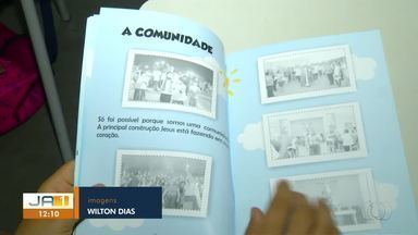 Crianças aprendem sobre a história da Catedral de Palmas com álbum de figurinhas - Crianças aprendem sobre a história da Catedral de Palmas com álbum de figurinhas