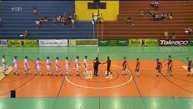 Candidatos ao título se reencontram com a vitória na Copa TV Grande Rio de Futsal - Iate Clube e a Cohab Massangano venceram a primeira.
