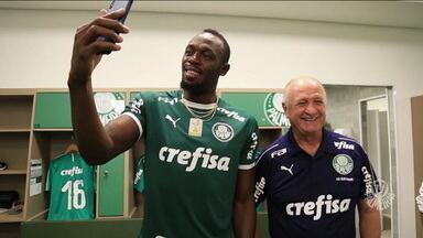 Usain Bolt visita CT do Palmeiras e inspira jogadores antes de duelo decisivo contra o São Paulo - Usain Bolt visita CT do Palmeiras e inspira jogadores antes de duelo decisivo contra o São Paulo