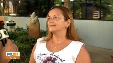 Show beneficente vai ajudar animais abandonados - Rita Teixeira, protetora da causa animal, fala sobre o assunto.