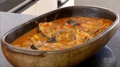 Aprenda a fazer uma saborosa receita de peixe na telha com pirão - Aprenda a fazer uma saborosa receita de peixe na telha com pirão