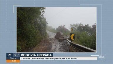 Serra do Corvo Branco é liberada após queda de barreira em Urubici - Serra do Corvo Branco é liberada após queda de barreira em Urubici