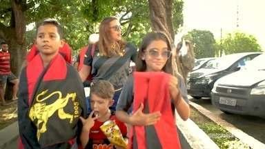 Meu coração no Pernambucano: Mãe assume missão de passar amor pelo Sport para os filhos - Meu coração no Pernambucano: Mãe assume missão de passar amor pelo Sport para os filhos