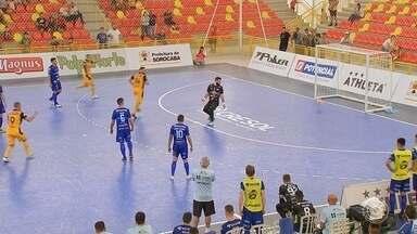 Com hat-trick de Rodrigo, Sorocaba bate Foz Cataratas e estreia com goleada na LNF - Em casa, time sorocabano conta com jornada inspirada de seu capitão para fazer 4 a 1 na primeira rodada da Liga Nacional de Futsal