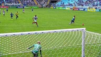 Grêmio vence o São Luiz e enfrenta o Internacional na final do Gauchão - Com time diferente, o tricolor venceu por 3x0 o time de Ijuí.