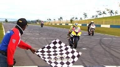 Temporada do Campeonato Brasileiro de Motovelocidade começa no Autódromo de Goiânia - Mais de 100 pilotos em 11 categorias competiram no fim de semana.