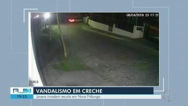 Creche é invadida e alvo de vandalismo em Nova Friburgo, no RJ - Assista a seguir.