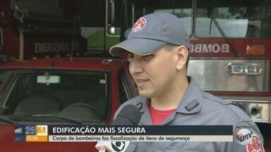 Corpo de Bombeiros faz fiscalização em prédios de São Carlos - Ações são para verificar se edificações seguem o solicitado pela Lei para prevenção de incêndios.
