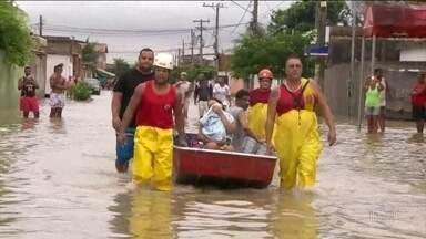 Chuva que atingiu o Rio foi a pior dos últimos 22 anos - Dez pessoas morreram. Moradores de áreas alagadas ainda não tinham recebido ajuda na noite de terça-feira (9).