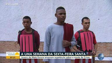 Jovens encenam espetáculo sobre a morte de Jesus Cristo na Mata Escura - Veja um pouco do trabalho do grupo que reúne arte e fé.