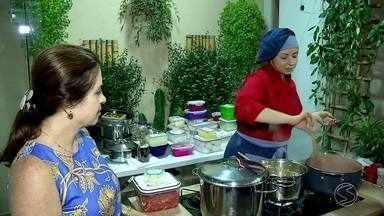 Da indústria pra cozinha: Patrícia apostou em jantares temáticos em casa - Programa destaca iniciativas empreendedoras no Sul do Rio de Janeiro.