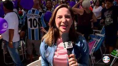 Moradores de Sapiranga aguardam as apresentações de Luiza Barbosa - Assista ao vídeo.