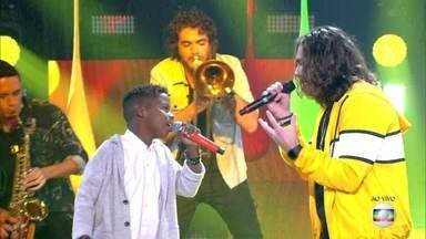 "Jeremias Reis e Vitor Kley cantam ""Deixa""  - Dupla agita a plateia do The Voice Kids"