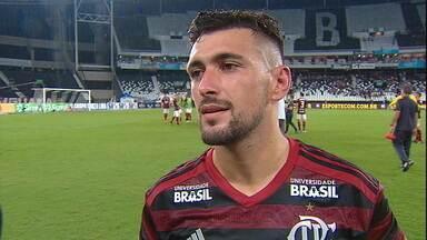 "Arrascaeta explica roubada de bola no lance do segundo gol: ""Fui esperto"" - Arrascaeta explica roubada de bola no lance do segundo gol: ""Fui esperto"""
