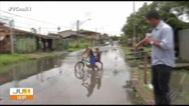 Moradores do bairro da Agulha reclamam dos constantes alagamentos na área - Durante o fim de semana foi registrado mais alagamentos.