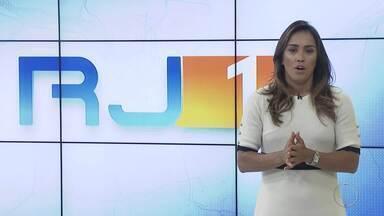 RJ1 Inter TV - Edição de segunda-feira, 15/04/2019 - Apresentado por Ana Paula Mendes, o telejornal da hora do almoço traz as principais notícias das regiões Serrana, dos Lagos, Norte e Noroeste Fluminense.