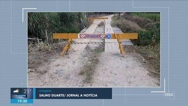 Giro: Ponte com problemas estruturais é interditada pela Defesa Civil em Itapoá - Giro de notícias: Ponte com problemas estruturais é interditada pela Defesa Civil em Itapoá