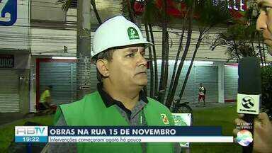 Obra de requalificação da Rua 15 de novembro começa em Caruaru - Ideia da prefeitura é sempre realizar a obra durante a noite.