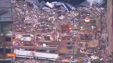 Bombeiros trabalham há mais de 90 horas no local onde prédios desabaram no RJ - Onze pessoas morreram, quatro feridos estão hospitalizados e 13 pessoas ainda estão desaparecidas. Treze prédios vizinhos foram interditados. A polícia investiga quem são os responsáveis pelas construções que desabaram.