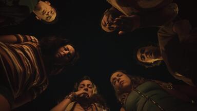 Trollados - Rita, Enzo, Dolores, Valdir, Brita, Hélio e Suzete partem numa viagem em busca do pai de Rita. Devido às armações de Dolores, a aventura é cheia de contratempos.