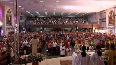 Confira como alguns goianienses celebraram a Páscoa - Paróquias organizaram missas e até café da manhã compartilhado.