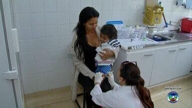 Segunda fase da campanha de vacinação contra gripe é realizada na região de Itapetininga - A segunda fase da campanha de vacinação contra a gripe está sendo realizada. Serão vacinados com prioridade os idosos, profissionais da saúde e professores da rede publica e privada.