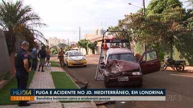 Bandidos em fuga batem carro e acabam presos no Jardim Mediterrâneo - Dois menores foram apreendidos e um homem maior de idade foi preso. Um Guarda Municipal de folga desconfiou da atitude dos jovens e iniciou a abordagem.