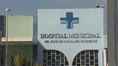 Dupla atira em motociclista e rouba moto em Jacareí - Crime foi no começo da manhã desta terça (23). Vítima está internada em estado grave em hospital em São José.