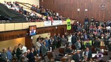 PEC do plebiscito está em votação na Assembleia Legislativa do RS - Regimento interno diz que matéria precisa ser aprovada em dois turnos, com 33 votos favoráveis nas duas sessões plenárias.