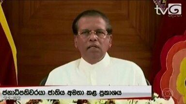 """Após atentados, presidente do Sri Lanka anuncia reestruturação de órgãos de segurança - Ataques deixaram 321 mortos e 370 pessoas seguem hospitalizadas. Presidente do país qualificou como """"inadmissível"""" a falta de compartilhamento de informações enviadas pela Índia e pelo Paquistão, que alertaram para a ameaça de ataques no país."""