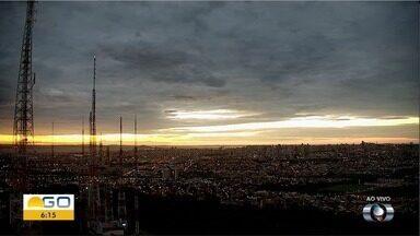 Confira a previsão do tempo para esta quarta-feira (24) em Goiás - Dia deve ser de muito calor, mas pode chover.