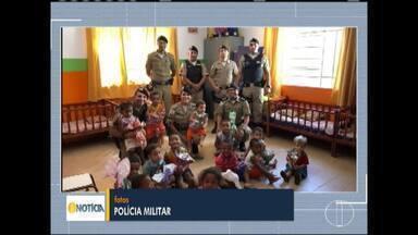 PM de Mato Verde distribui ovos de páscoa em escolas da zona rural e urbana do município - Cerca de 200 ovos de páscoa foram doados.