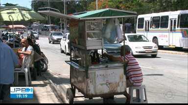 JPB2JP: Confusão no Centro de João Pessoa envolvendo vendedores ambulantes e Sedurb - Ambulantes foram pedir apoio aos vereadores da Capital.