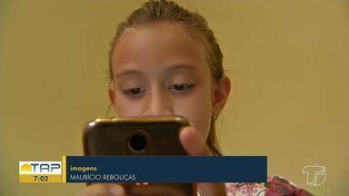 Crianças têm que brincar: Jogo eletrônico e televisão têm deixado os pequenos sedentários - Segundo a OMS, 78% das crianças brasileiras não fazem o mínimo de movimento recomendado, que é de pelo menos 1h por dia. Especialistas esclarecem dúvidas dos telespectadores sobre o tema. Veja dicas para evitar a obesidade infantil.