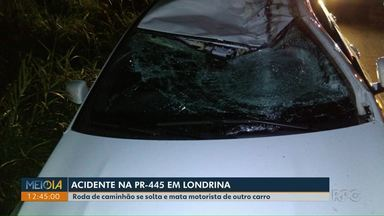 Roda de caminhão se solta e mata motorista de outro carro na PR-445 - O acidente foi na noite desta terça-feira (23), na região de Londrina. O caminhão foi apreendido para averiguar condições.