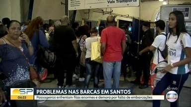 Passageiros enfrentam filas nas balsas da baixada santista - Pessoas se acumulam por causa de problemas nas embarcações.