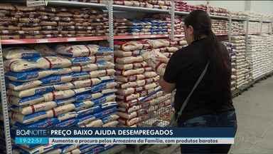 Aumenta a procura de desempregados pelos Armazéns da Família em Curitiba - Pela primeira vez no ano, o Paraná registrou um saldo negativo na geração de empregos. Os Armazéns são uma boa oportunidade pra quem busca produtos com preços mais baixos.