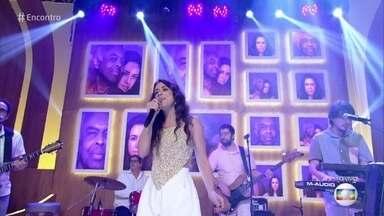 Roberta Sá canta 'Ela Diz que Me Ama' - Cantora lança lança disco novo e faz parceria com Gilberto Gil