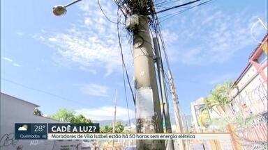 Moradores de Vila Isabel estão há 50 horas sem energia elétrica - O vendaval de domingo (25) ainda causa transtornos para alguns moradores da cidade.