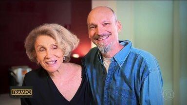 Mãe e filho se reinventam com novas carreiras - Após se aposentar, empresária de 79 anos cria linha de lingerie.