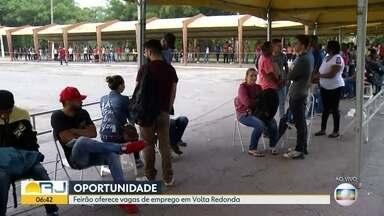 Feirão em Volta Redonda oferece oportunidades de emprego - Evento foi realizado neste feriado do Trabalho e prefeitura da cidade repetiu nesta quinta (02).