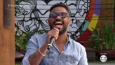 Arlindinho e Neguinho da Beija-Flor homenageiam Beth Carvalho - Os músicos tocam 'Andança'